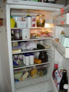 Varm eller kald mat i kjøleskapet?