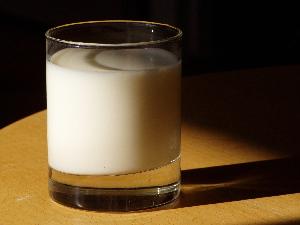 Melk: Er det sunt for deg? Eller kan melk skade helsen din?