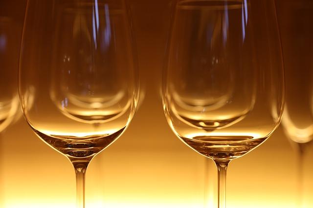 Hvilken vin drikker man til fisk? Og hvorfor?